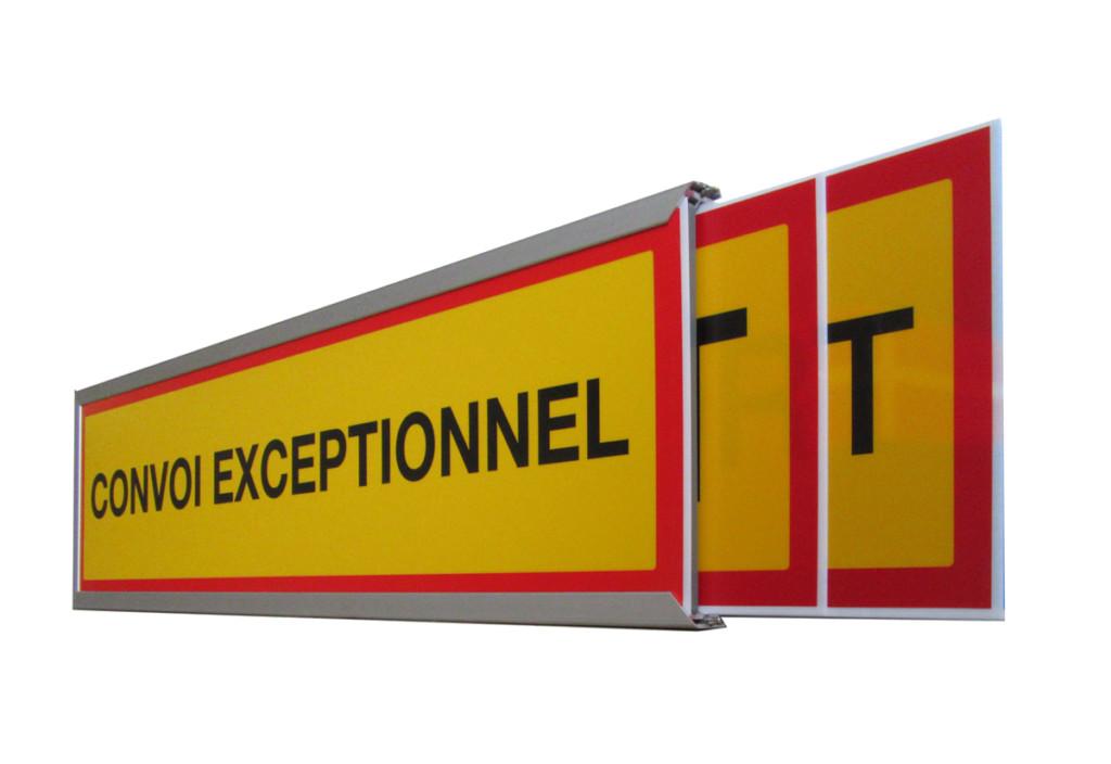 triplesignled-leuchtschild-fuer-spezialtransporte-convoi-exceptionnel/